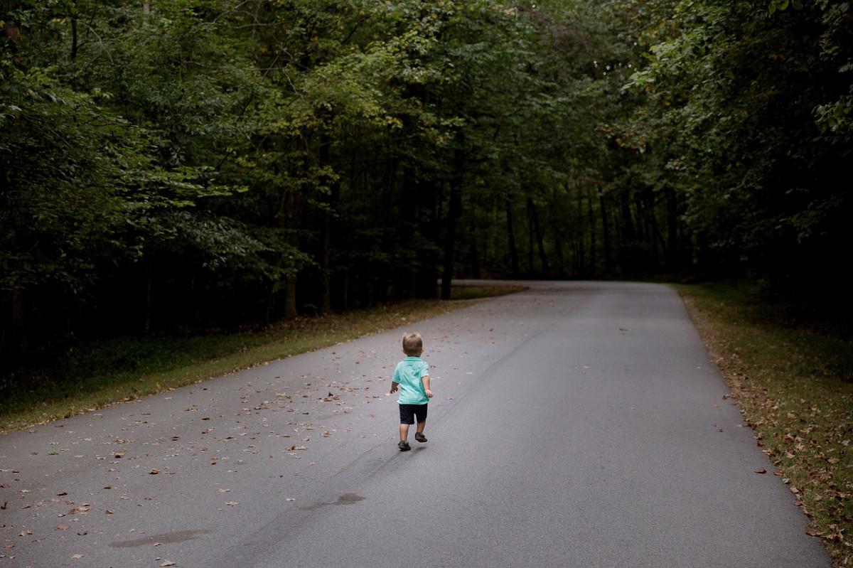 Инструкция для родителей: что делать, если потерялся ребенок
