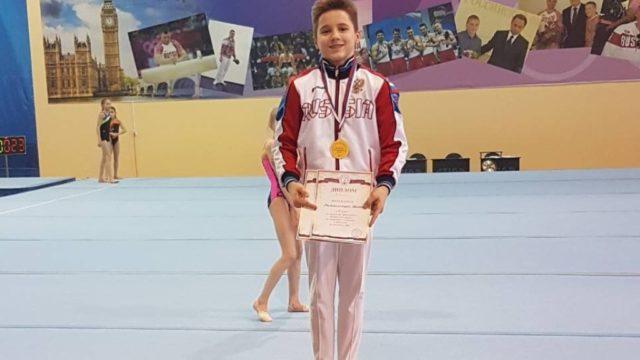 Двойное «золото» и«серебро» завоевал нижегородский гимнаст наВсероссийских соревнованиях