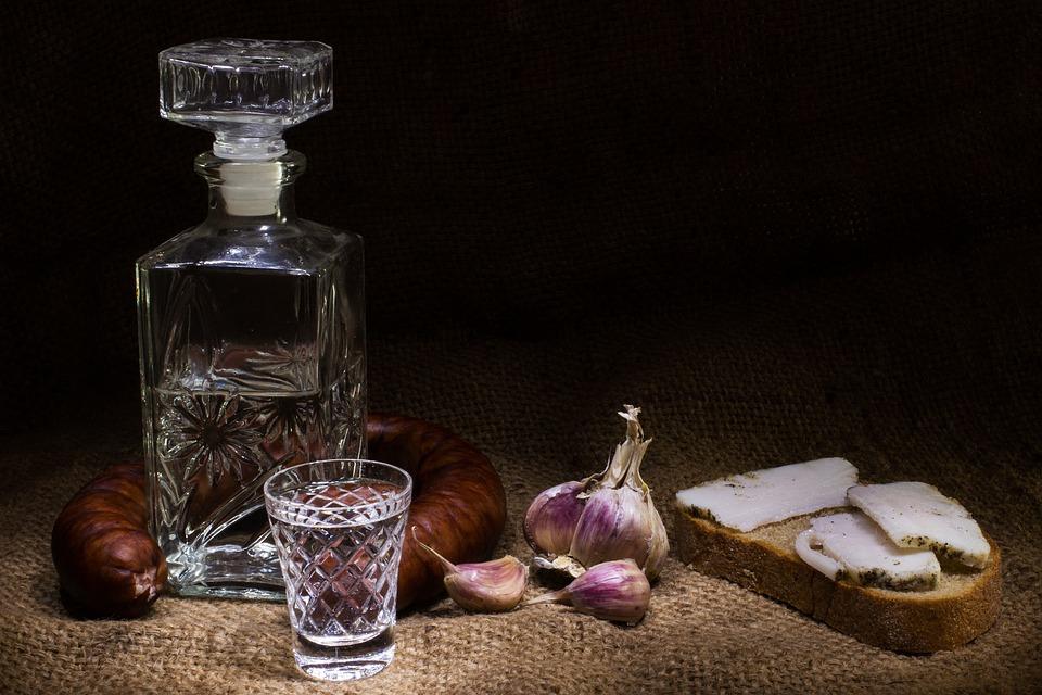 Продажу алкоголя предлагается ограничить вРФ из-за коронавируса
